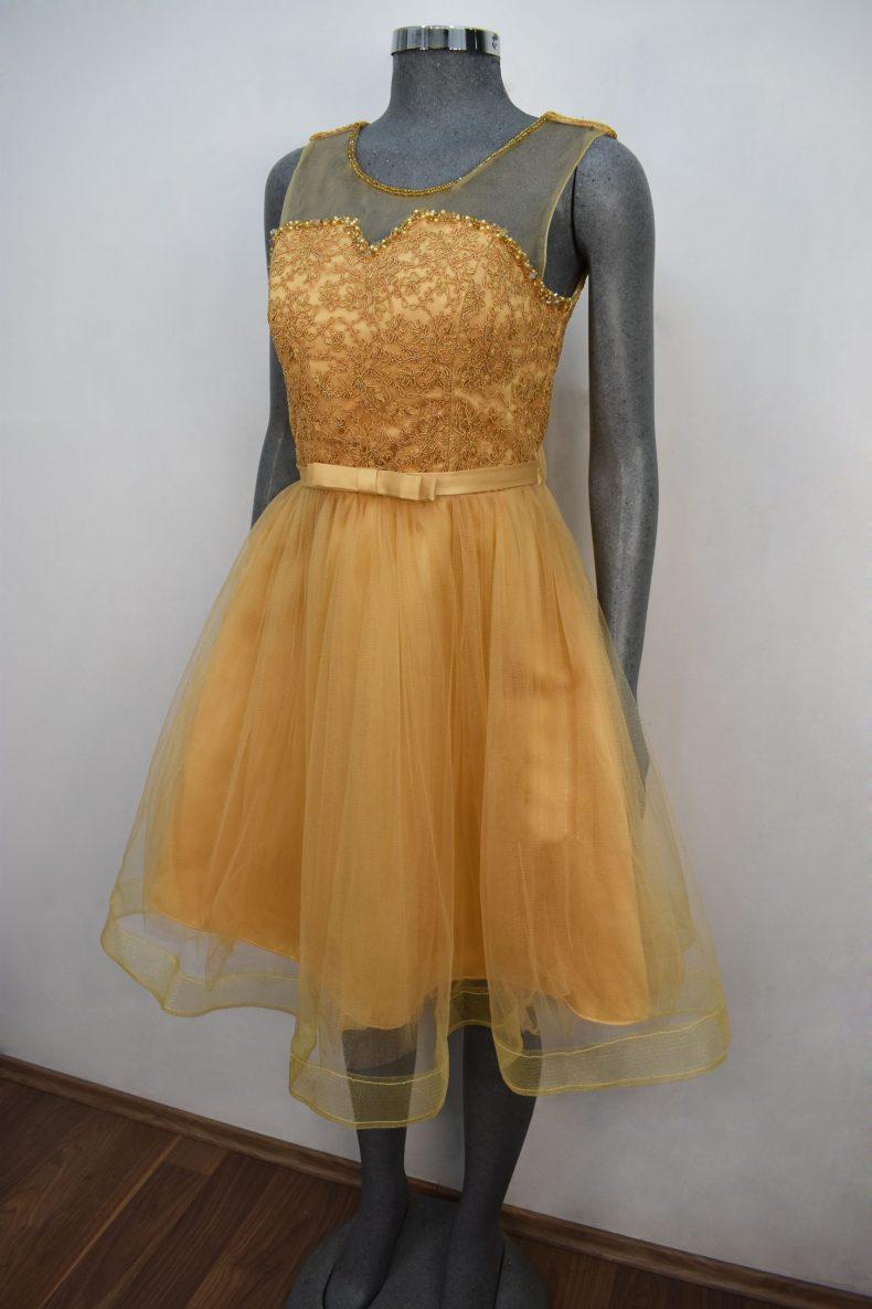 Renta de vestido de fiesta corto Mod. VC002 color dorado. Entrega a domicilio, servicio de costurera gratis ¡Entra ya!
