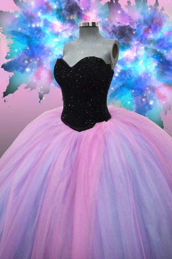 Renta de vestido de XV años Largo Mod. Vestido Mod. VQ1502 colores unicornio con negro